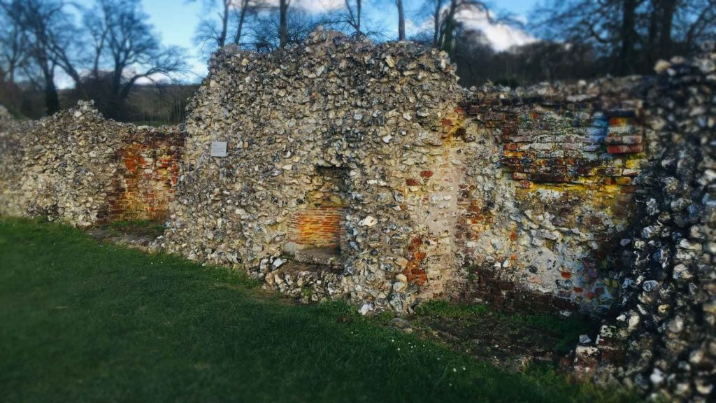 https://www.berkhamstedcastle.org.uk/wp-content/uploads/2019/03/kitchen-hearths-1024x576.jpg