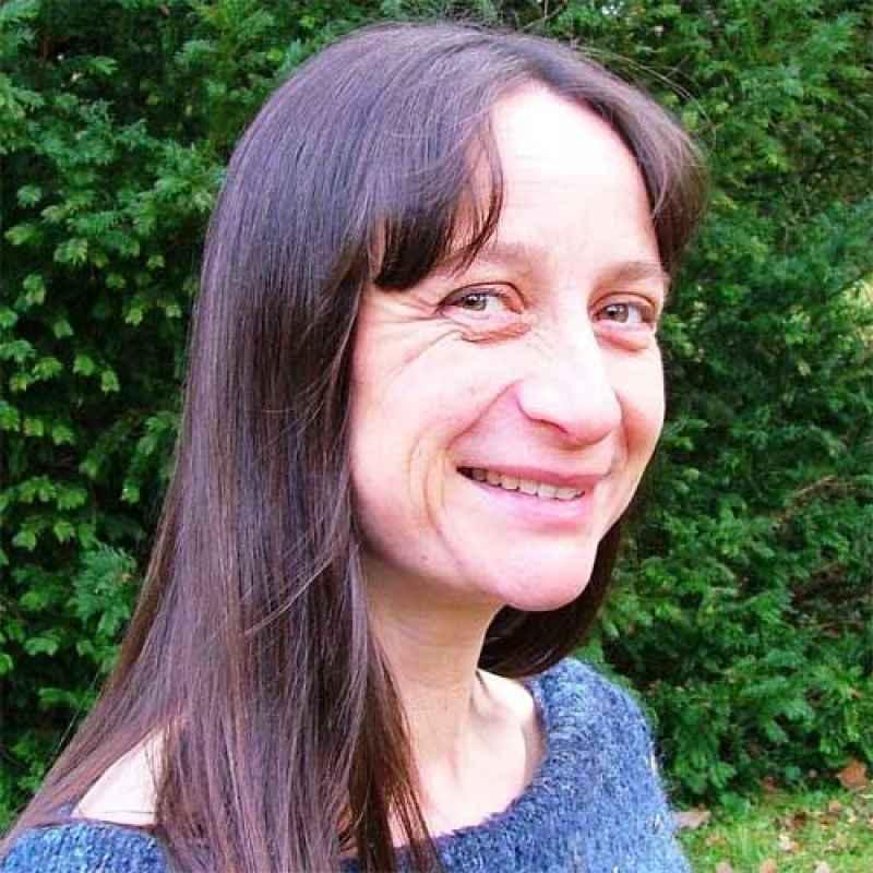 Dr Joanna Laynesmith